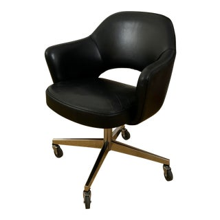 Mid Century Modern Leather Eero Saarinen Knoll Desk Chair For Sale
