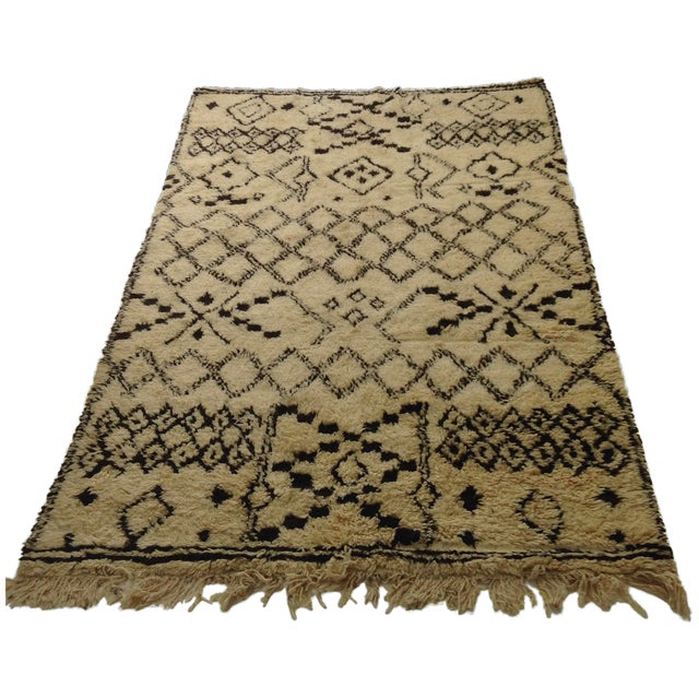 Authentic Moroccan Beni Ourain Rug - 5′5″ × 8′9″ For Sale