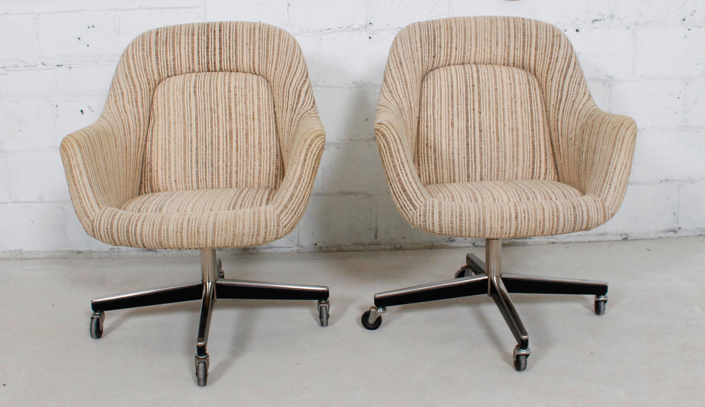Knoll Upholstered Office Chairs On Casters   A Pair   Image 2 Of 11