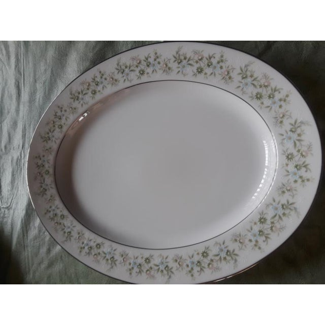 Traditional Noritake Savannah China - 96 Pieces For Sale - Image 3 of 9