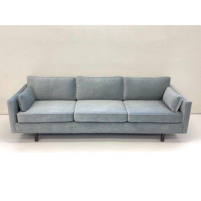 Mid-Century Modern 1950s Carroll Beaupré Interiors Custom Mohair Sofa For Sale - Image 3 of 10
