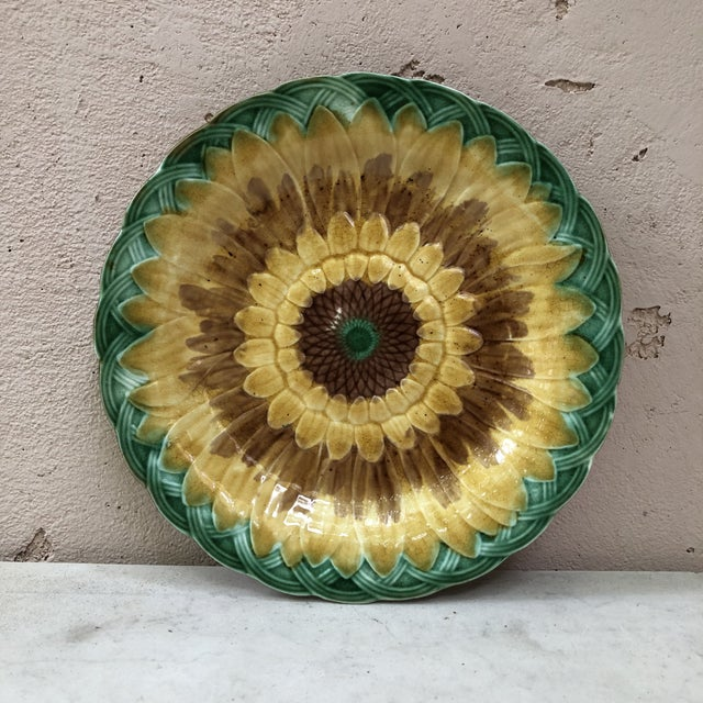 Late 19th Century 19th Century English Majolica Leaves Plate For Sale - Image 5 of 8