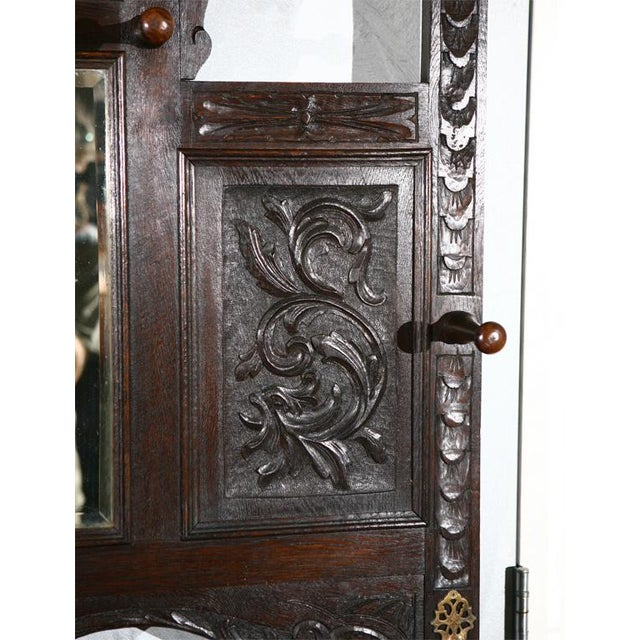 English Traditional Carved Hallstand with Mirror For Sale - Image 3 of 4