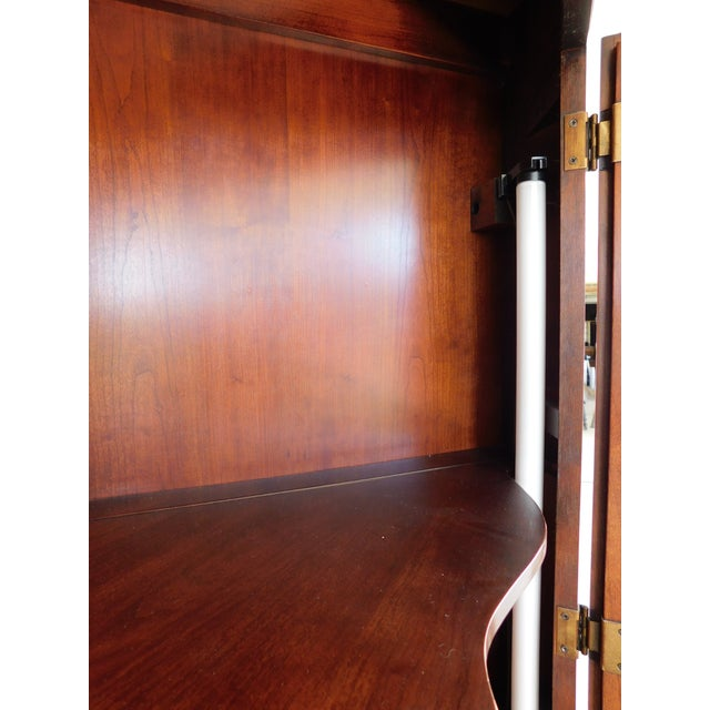 Statton Old Towne Chippendale Style Cherry Corner Cabinet For Sale - Image 9 of 13