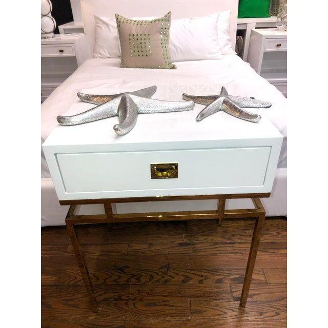 Worlds Away Hollywood Regency White Lacquer & Brass Side Table For Sale - Image 4 of 6
