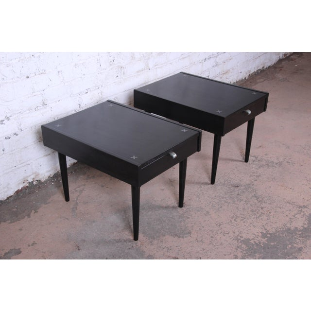 American of Martinsville Merton Gershun for American of Martinsville Ebonized End Tables or Nightstands, Pair For Sale - Image 4 of 13