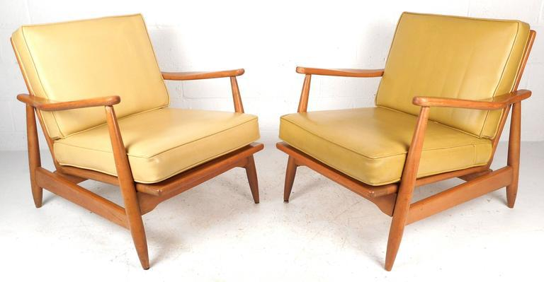 Mid Century Modern Maple And Vinyl Lounge Chairs   A Pair   Image 2 Of