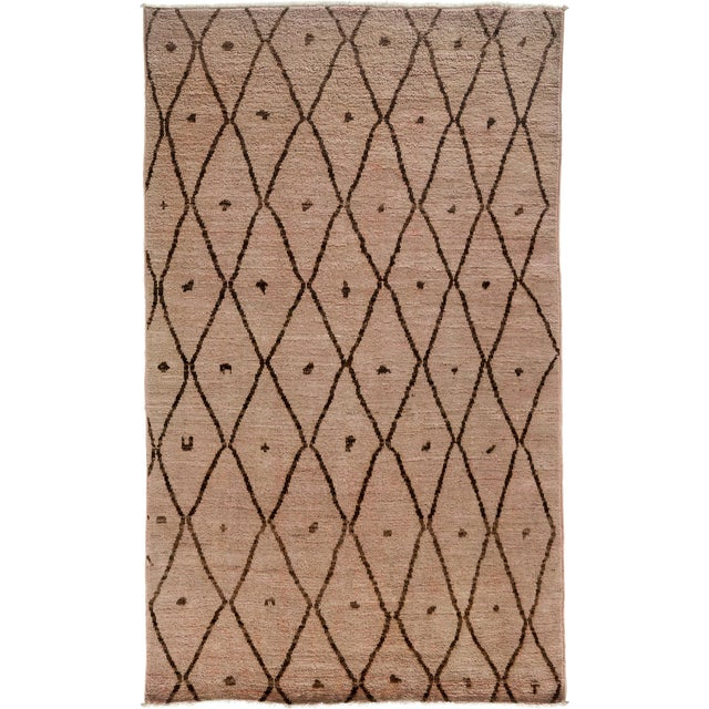 "Moroccan Hand Knotted Area Rug - 4'10"" X 8'2"" For Sale"