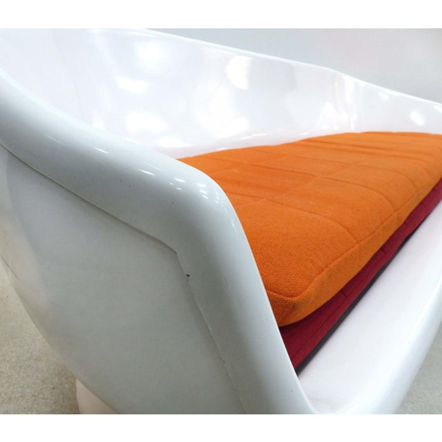 White Chromcraft Space Age Enameled Fiberglass Shell Sofa, Circa 1960s For Sale - Image 8 of 11