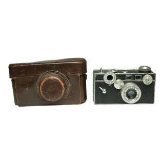 Mid-Century Camera and Leather Case C. 1950s For Sale