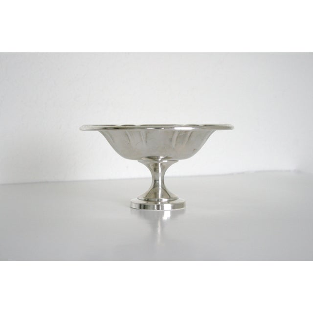 Beautiful Onieda Silversmiths pedestal dish. Lovely on its own or filled with treats, trinkets or office supplies.