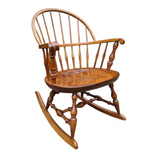 Nichols & Stone Hard Rock Maple Colonial Comb-Back Windsor Rocking Chair For Sale
