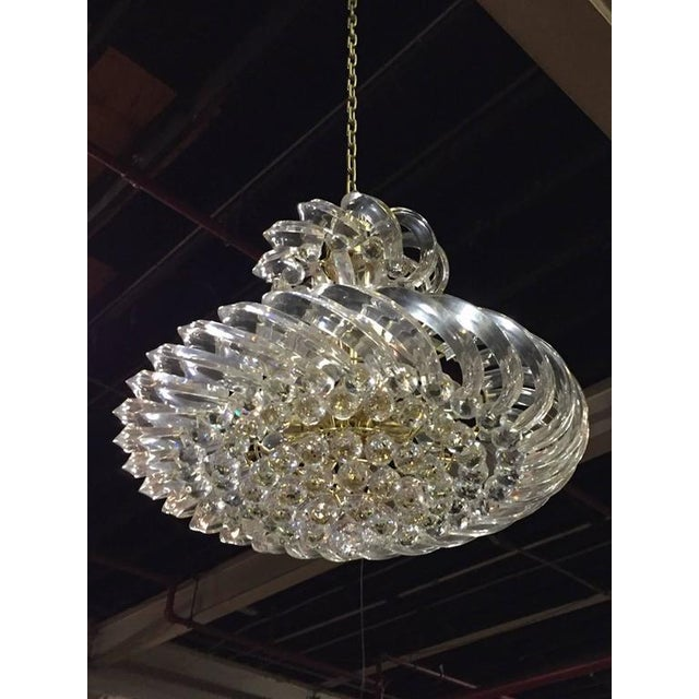 This Mid-Century Modern Italian Lucite chandelier is stunning. Highly Glamours style is perfect for every space. Having a...