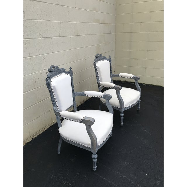 Super gorgeous, reupholstered and refinished. Original frame with new English linen upholstery. It's a chalky gray blue...