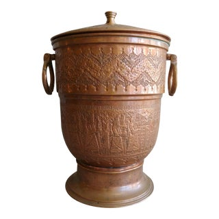 1940s Moroccan Hammered Copper Ice Bucket With Lid For Sale