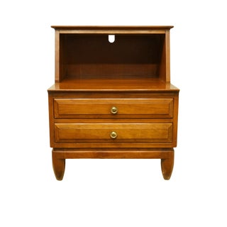 "20th Century Traditional Willett Furniture Solid Cherry 22"" Open Cabinet Nightstand For Sale"