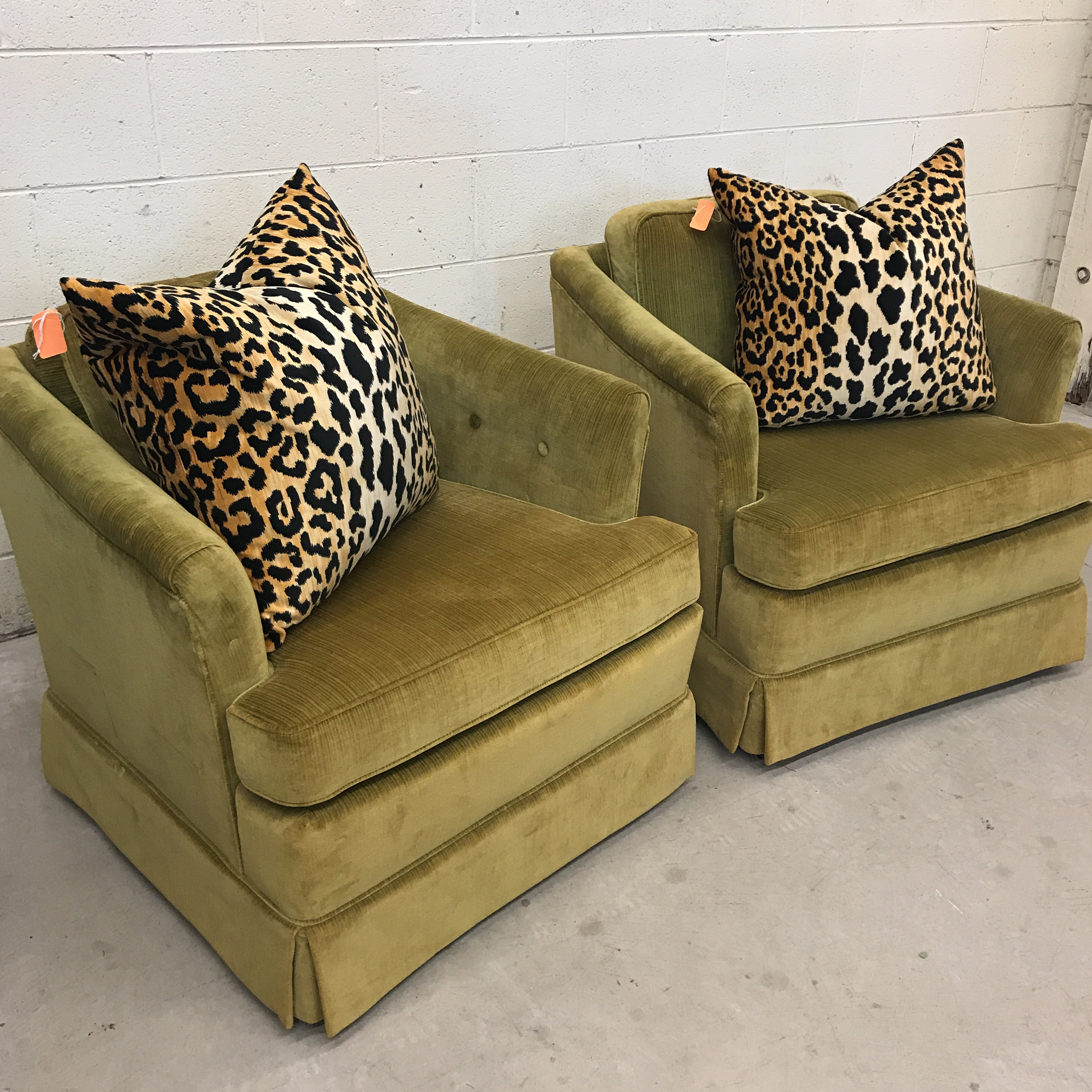 1975 Vintage Woodmark Originals Chartreuse Velvet Club Chairs   A Pair    Image 11 Of 11