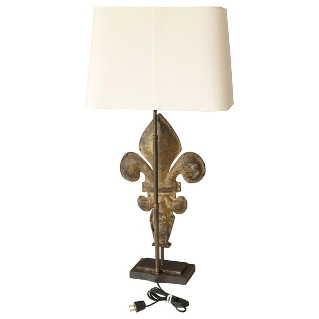 French Fleur-De-Lis Lamp For Sale - Image 3 of 5