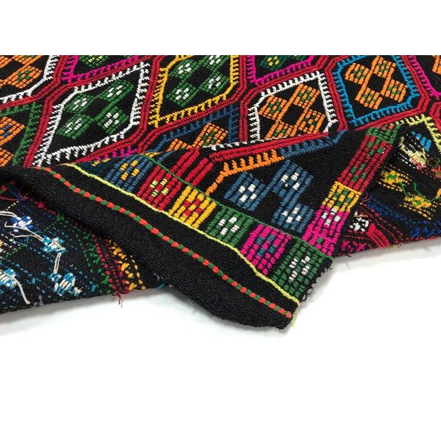 1960s Vintage Naturel Wool Turkish Kilim Rug- 3′10″ × 9′8″ For Sale - Image 4 of 11