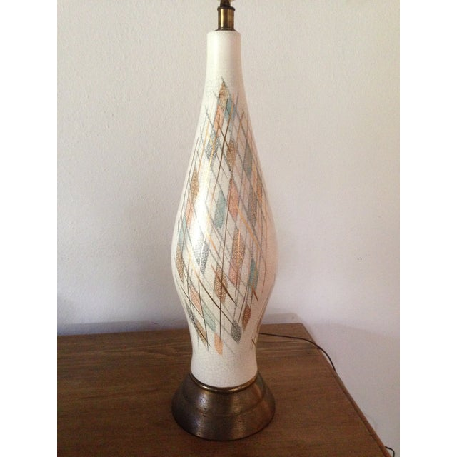 1950s Tall Diamond-Patterned Ceramic Table Lamp - Image 2 of 6