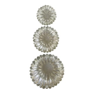 """Vintage Hazel Atlas """"Garden Party"""" Nested Glass Bowls - Set of 3 For Sale"""