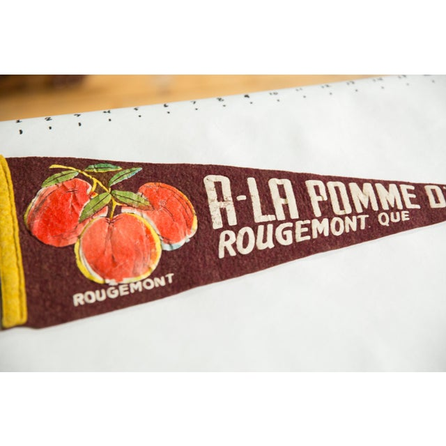 American Vintage the Golden Apple Rougemont Quebec Felt Flag Pennant For Sale - Image 3 of 4