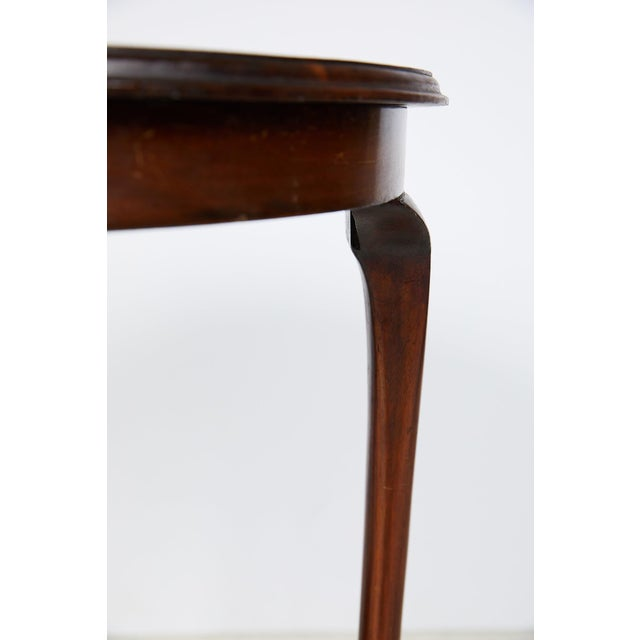 Wood English Art Nouveau Round Tea Table of Mahogany For Sale - Image 7 of 13