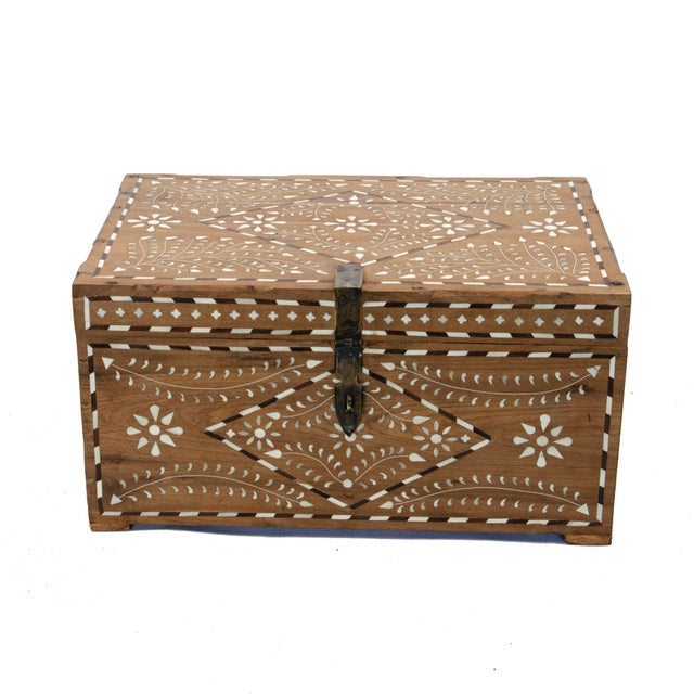 Wood Anglo-Indian Bone Inlay Jewelry Box For Sale - Image 7 of 7