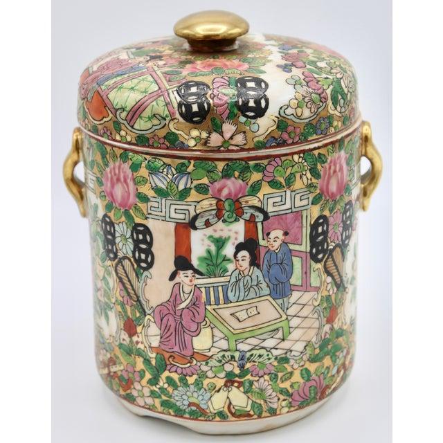 18th Century Chinese Rose Medallion Porcelain Lidded Jar For Sale - Image 12 of 12