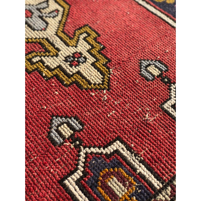 1950s Vintage Turkish Rug - 4′6″ × 9′ For Sale - Image 11 of 13