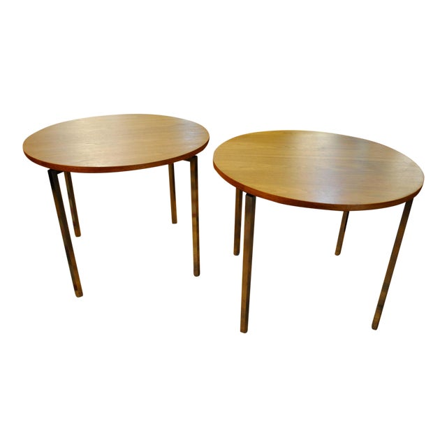 1960s Florence Knoll Mid-Century Round Side Tables - A Pair For Sale