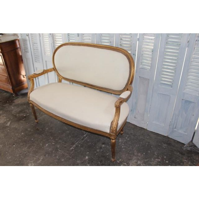 French Vintage 20th Century French Louis XVI Style Oval Back Settee For Sale - Image 3 of 9