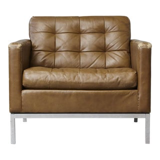 Florence Knoll Tan Leather Button Tufted Lounge Chair, 1970s For Sale