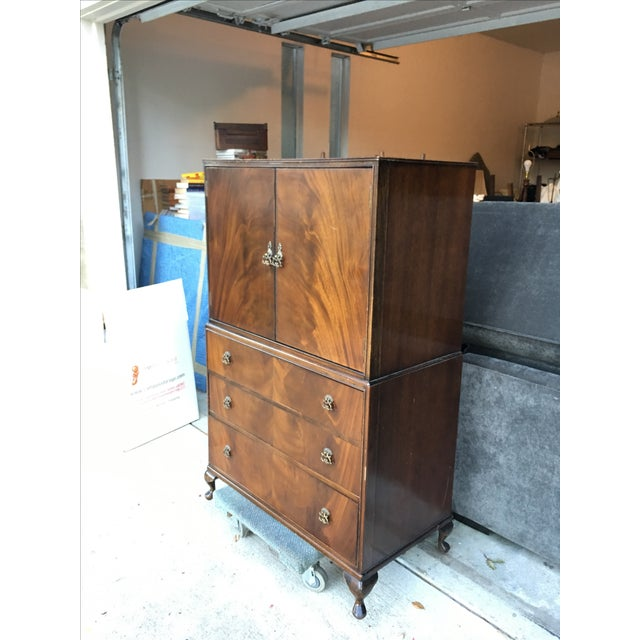 English Traditional Vintage 1940s Tallboy Dresser For Sale - Image 3 of 8