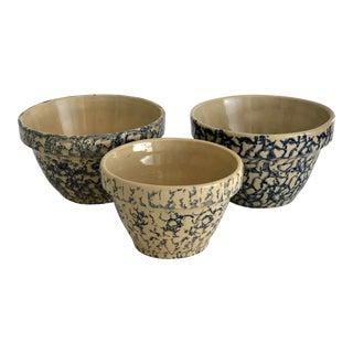 1960s Americana Roseville Pottery Beige Spongeware Bowls - Set of 3