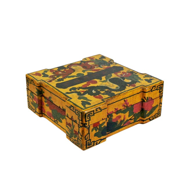 Asian Chinese Distressed Yellow Lacquer Chinoiserie Color Square Painting Box For Sale - Image 3 of 6