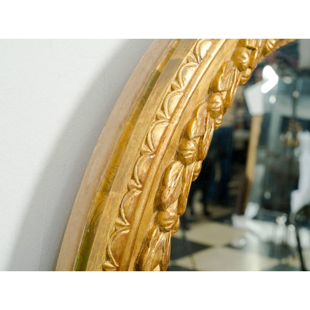 1960s Large Round Carved Giltwood Mirror For Sale - Image 5 of 7