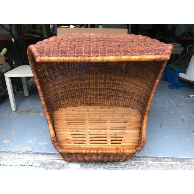 "Italian Midcentury ""Wave"" Rattan Lounge For Sale - Image 9 of 12"
