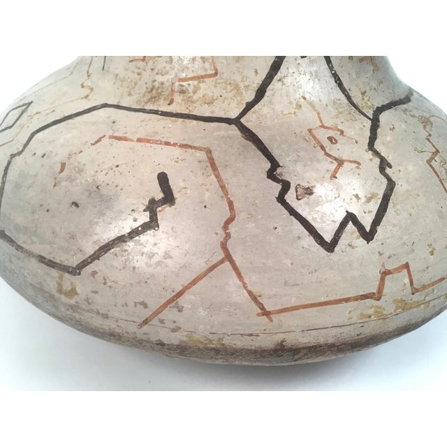 White Hand-Painted Peruvian Shipibo Pottery Vase For Sale - Image 8 of 10