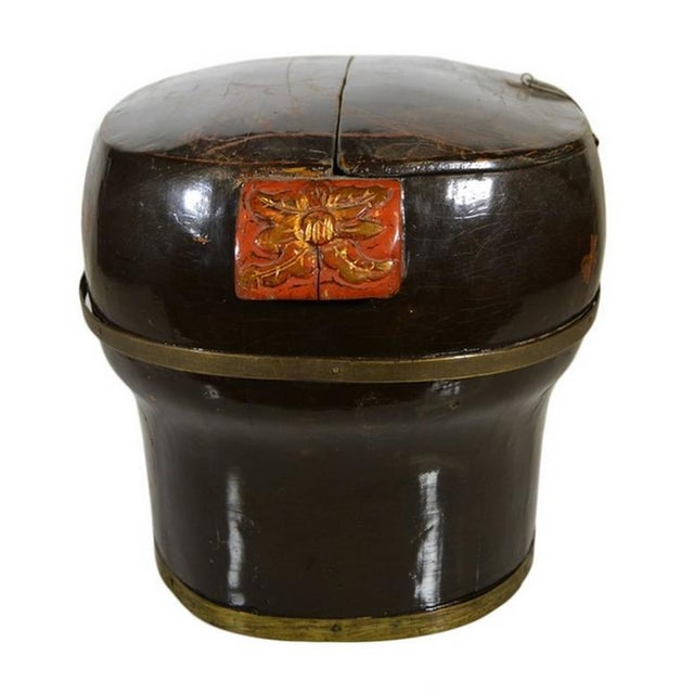 Asian Hand-Painted and Lacquered Wedding Box with Flowers from, China, 19th Century For Sale - Image 3 of 10