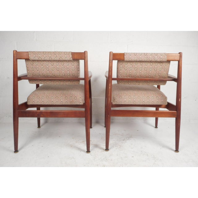 Jens Risom Design 1960d Mid-Century Modern Jens Risom Design Walnut Lounge Chairs - a Pair For Sale - Image 4 of 10