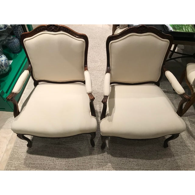 Queen Anne 1980s Queen Anne Style Sherrill Cream Arm Chairs - a Pair For Sale - Image 3 of 9