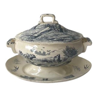 Late 19th Century Cream and Blue Deep Serving Dish with Cover For Sale