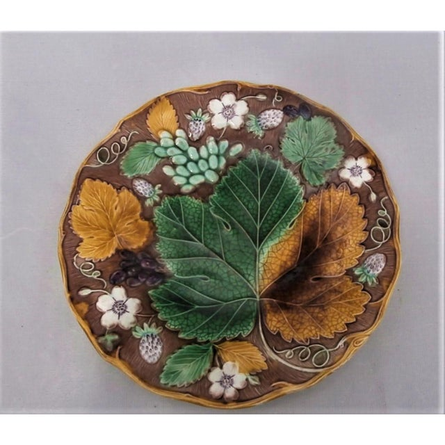 Ceramic 19th Century Majolica Strawberry Plate Wedgwood For Sale - Image 7 of 7