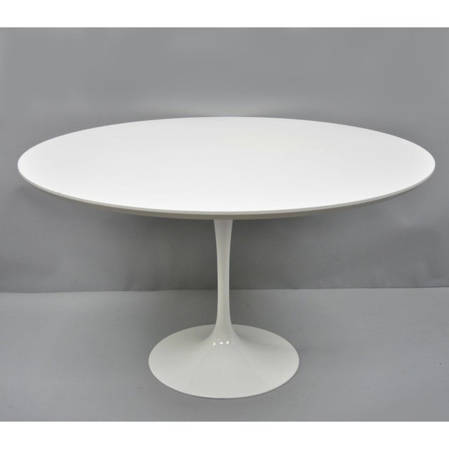 """Contemporary Modern White Saarinen Style Tulip Base 47"""" Round Dining Table For Sale - Image 12 of 12"""