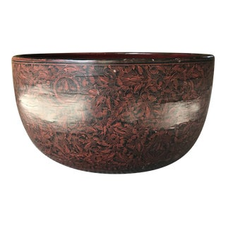 Mid 19th Century Large Black Lacquer Wooden Bowl With Red Floral Detail For Sale