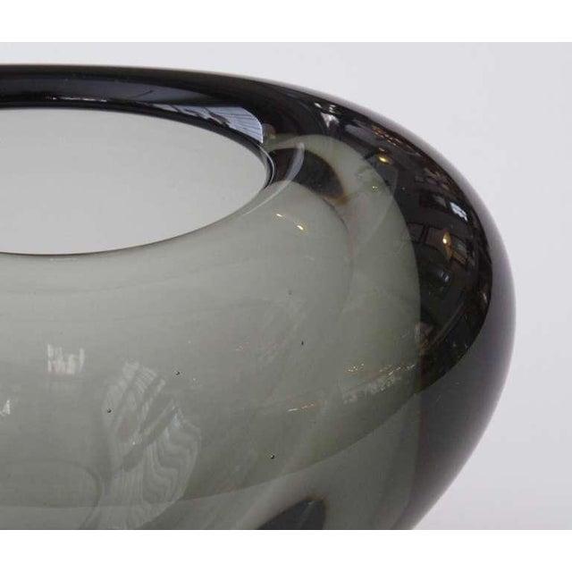 Per Lutken Holmegaard A Stylish Danish Mid-Century 'Menuet' Vase by Per Lutken for Holmegaard Glassworks For Sale - Image 4 of 5