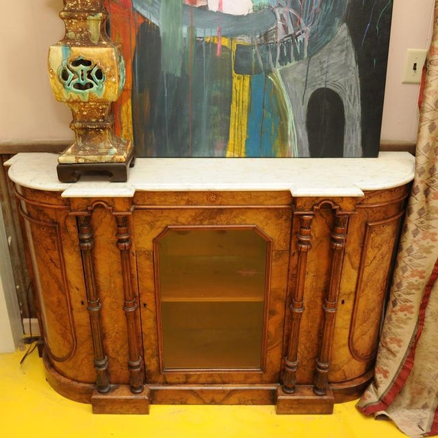 19th Century Italian Georgian Burled Walnut and Marble Credenza For Sale - Image 4 of 4