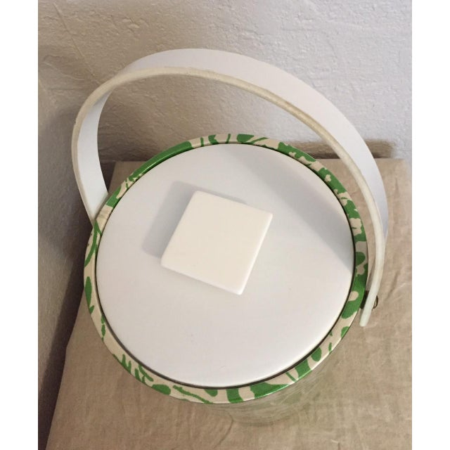 Hollywood Regency 1970s Hollywood Regency Green and White Plastic Ice Bucket For Sale - Image 3 of 6