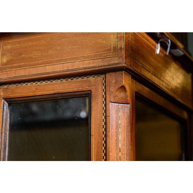 Early 20th Century English Vitrine Cabinet For Sale - Image 5 of 10